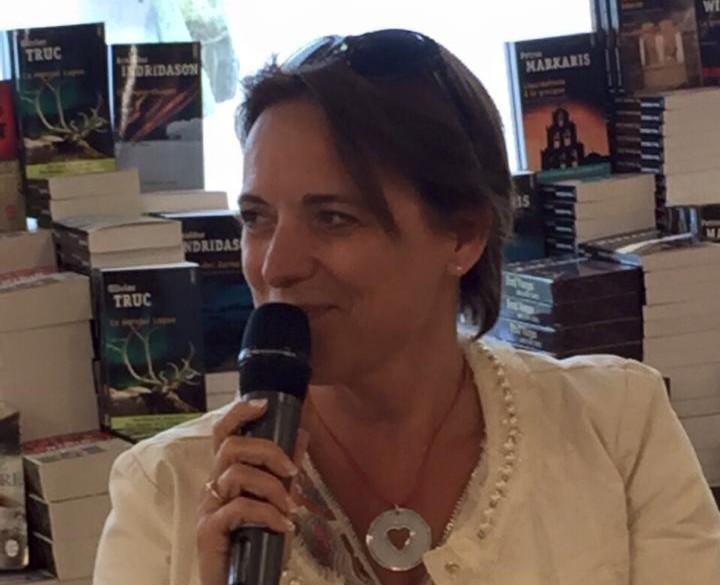 Isabelle Wats chez Filigranes